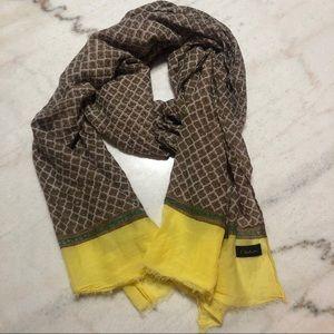 Aritzia Talula Babaton light scarf